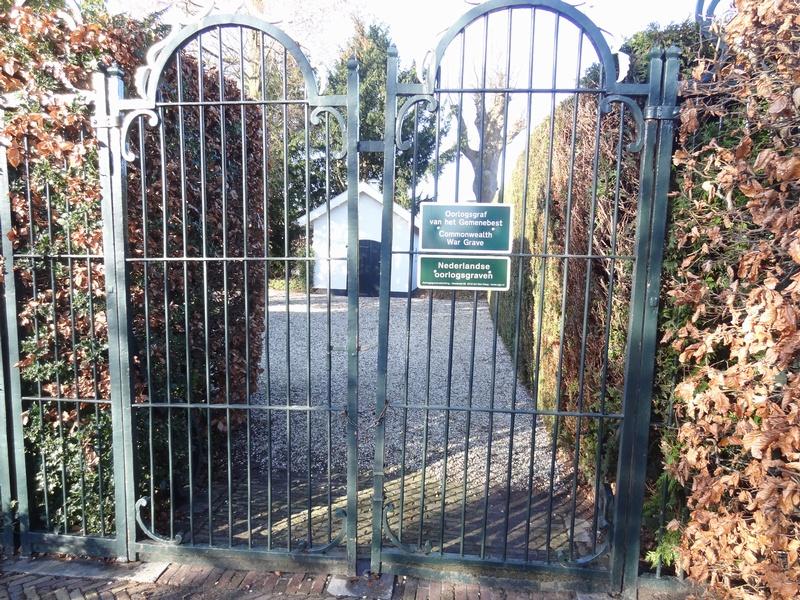 sgravendeel-monument-poort