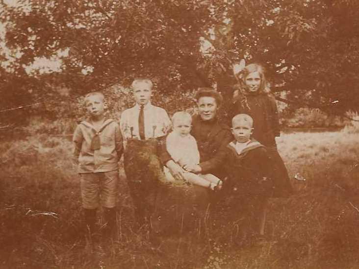 familie-kraak-moeder-5kinderen-cornelis-marinekraag