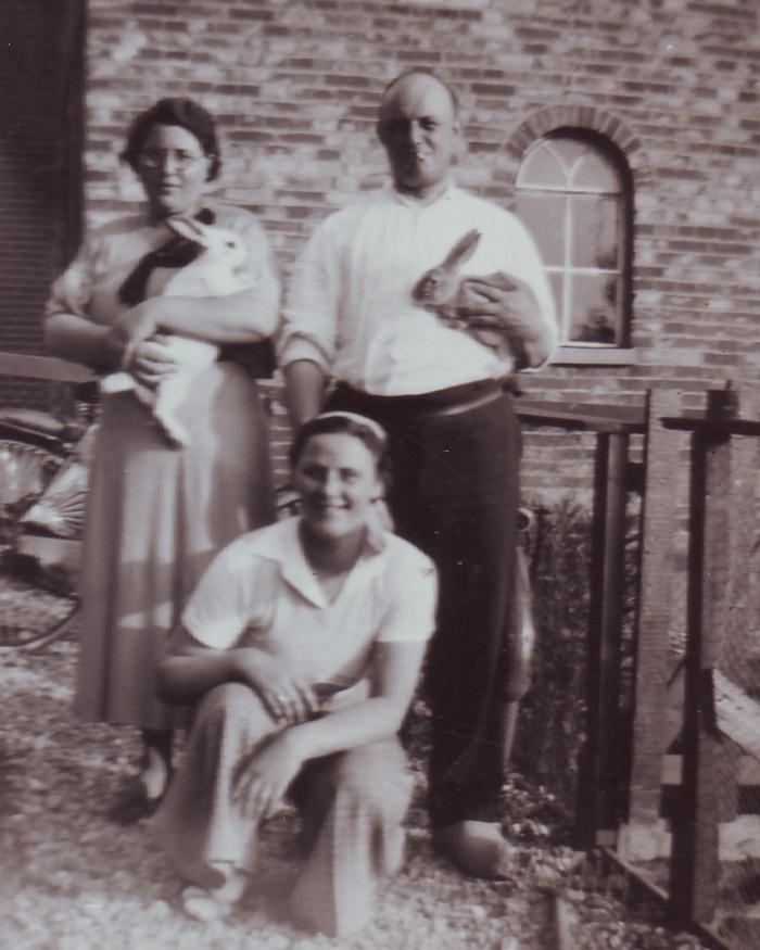 echtpaar-anna-henk-martens-schoonzusje-1934